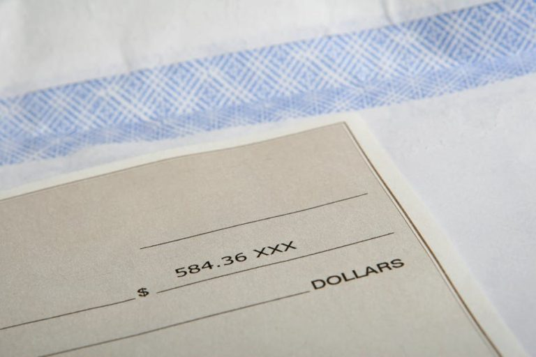 What to Look For When Reading a Pay Stub